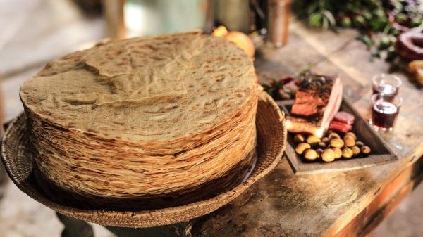 come mangiare pane carasau